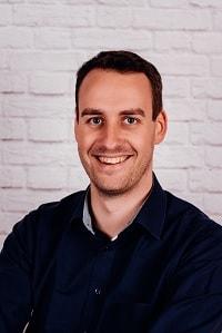 Portraitbild Theaterspieler Konrad Schneller